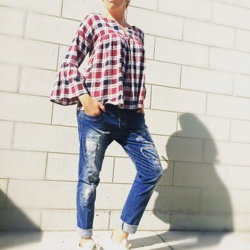 Casual jeans and hippie shirt!