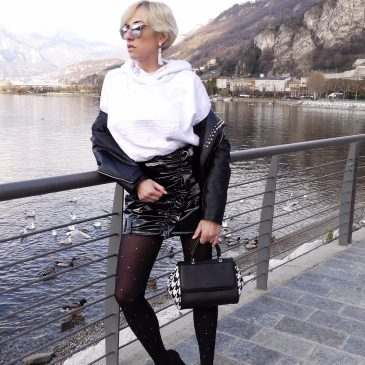 Come indossare un outfit bicolore bianco & nero