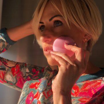 Come pulire il viso con LUNA FOFO
